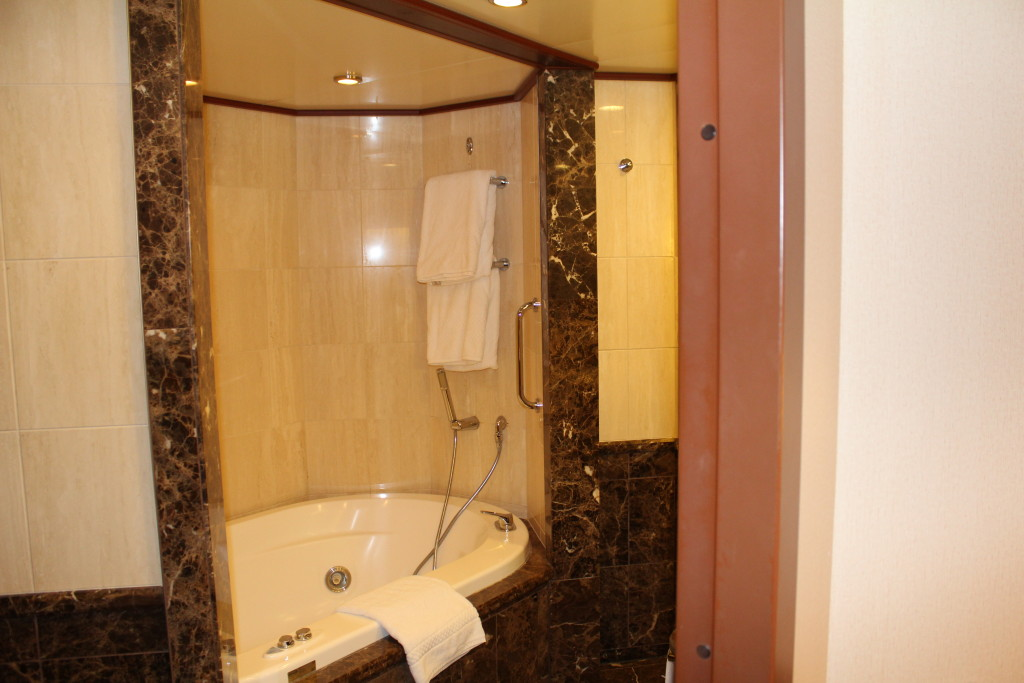 Silversea bathrooms
